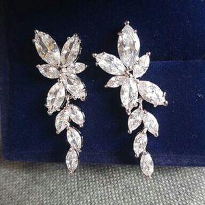 Earring fall chandelier crystal silver bling leave